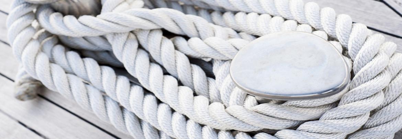 Cabuyerias, cabos de fondeo y cabos de amarre.